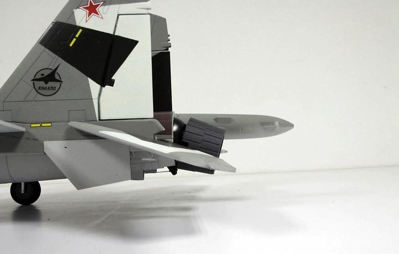 SU-35 Flanker-E Freewing Model